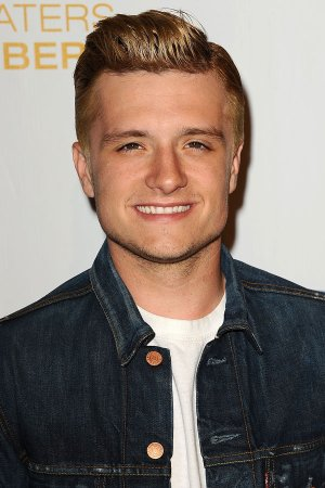 "Josh dans le classement ""The 100 Most-Searched Celebrities on TeenVogue.com""."